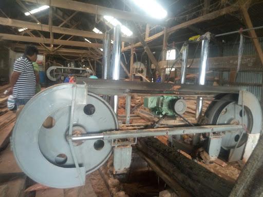 giá máy cưa gỗ